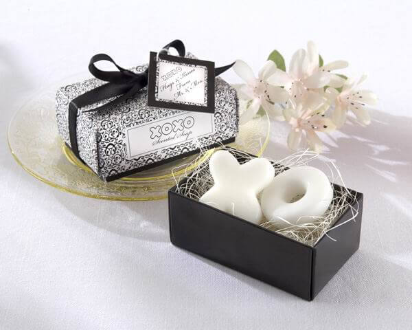 Hugs & Kisses Scented Soap Favours